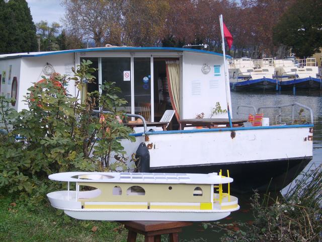 maquette coche solaire au port de Penne d'Agenais