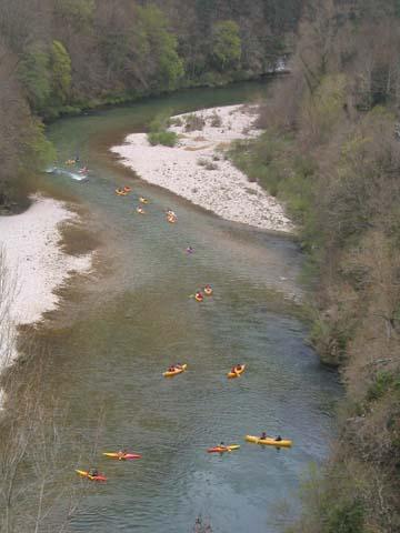1000 canoës par jour dans les gorges du Tarn