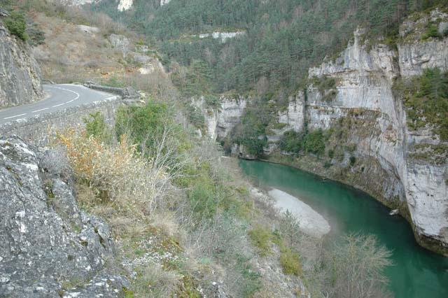 Les gorges du Tarn en Lozère sous la route