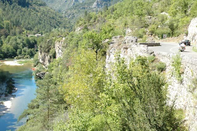 Route et rivière pour construire le projet de défilé des sports nature dans les gorges du Tarn