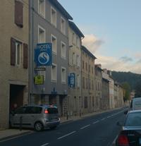 Hôtel-Restaurant 2* dans bourg montagnard d'Auvergne